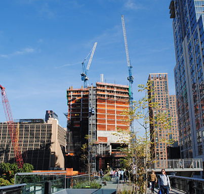 First Tower In Hudson Yards ReachesUpwards