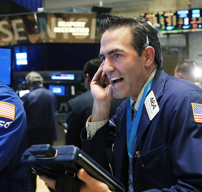 Stocks Slide on Economic Outlook
